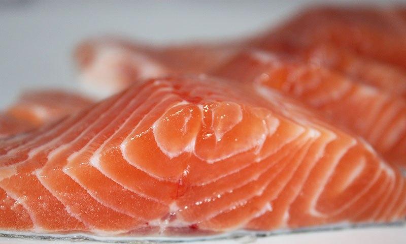 Красная рыба в кляре - фото шаг 3