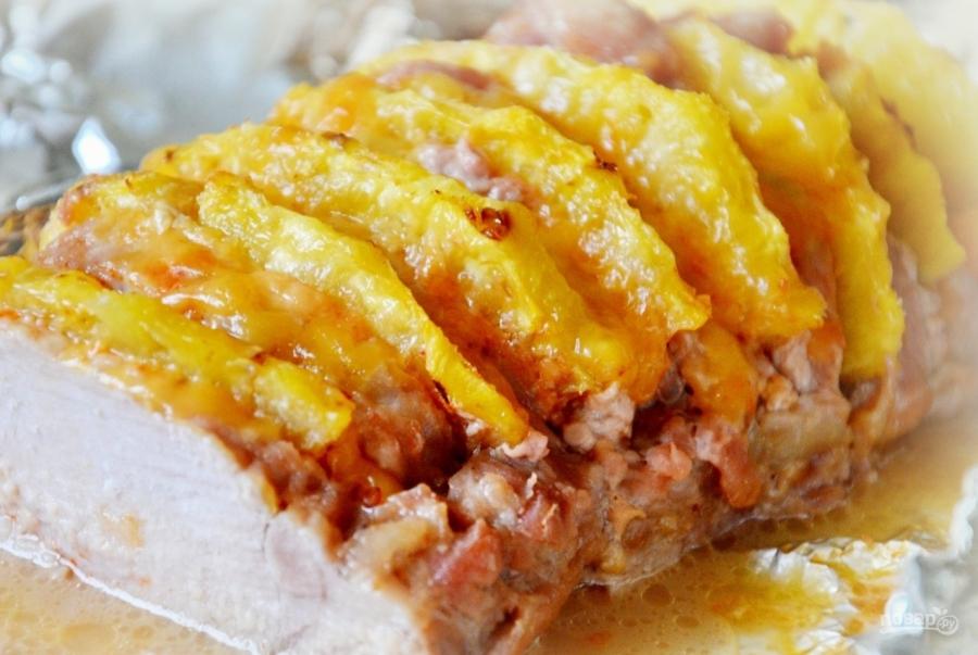 Приготовить мясо с ананасом