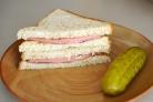 Бутерброды с вареной колбасой