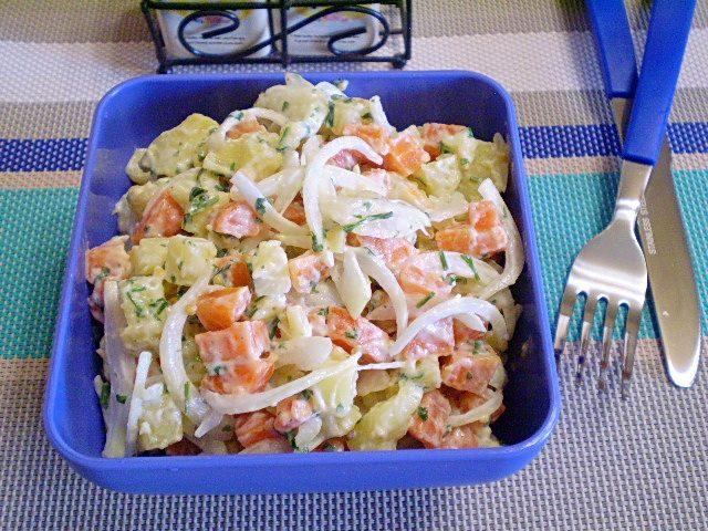 Салат из моркови и картофеля