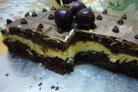 Слоеный шоколадный торт