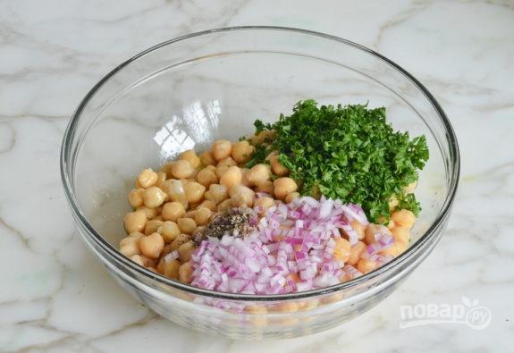 Салат из нута и лука