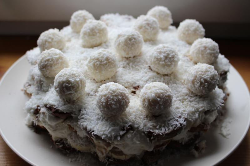 """Торт без выпечки с """"Рафаэлло"""" - фото шаг 12"""