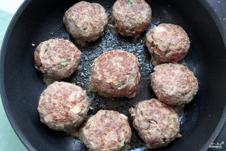Мясные шарики с моцареллой в томатном соусе - фото шаг 5
