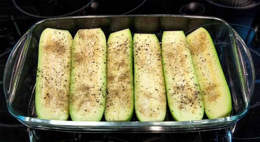 Рецепт Кабачки, запеченные в духовке со сметаной