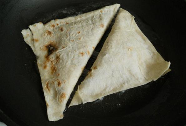 Треугольники из лаваша - фото шаг 5