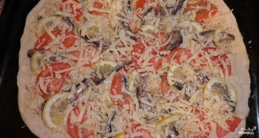 Пицца со шпротами - фото шаг 2