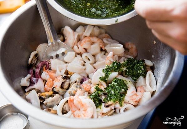 """Салат из морепродуктов """"Морской коктейль"""" - фото шаг 4"""
