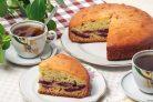 Пирог на кефире со сливами