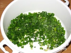 Салат из листьев чеснока - фото шаг 4