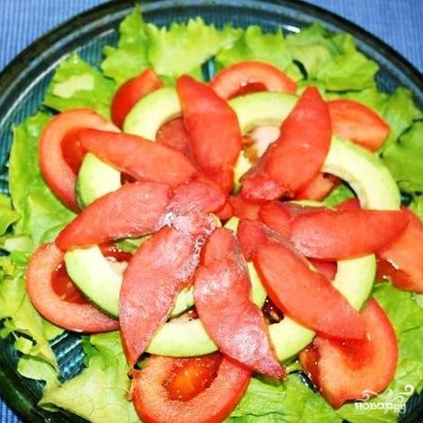 Салат с красной рыбой - фото шаг 7