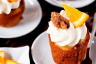 Апельсиновые капкейки с грецкими орехами и сливочной глазурью