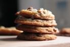 Традиционное шоколадное печенье с орехами
