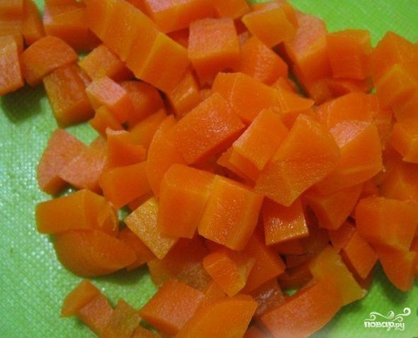 Салат с капустой и копченой колбасой - фото шаг 4