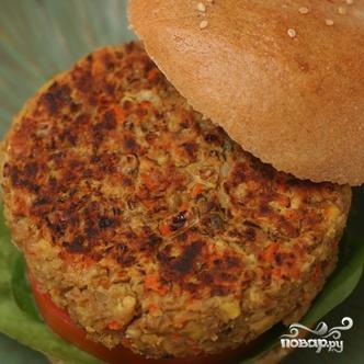 Гамбургеры с котлетами из чечевицы, овощей и сыра - фото шаг 4