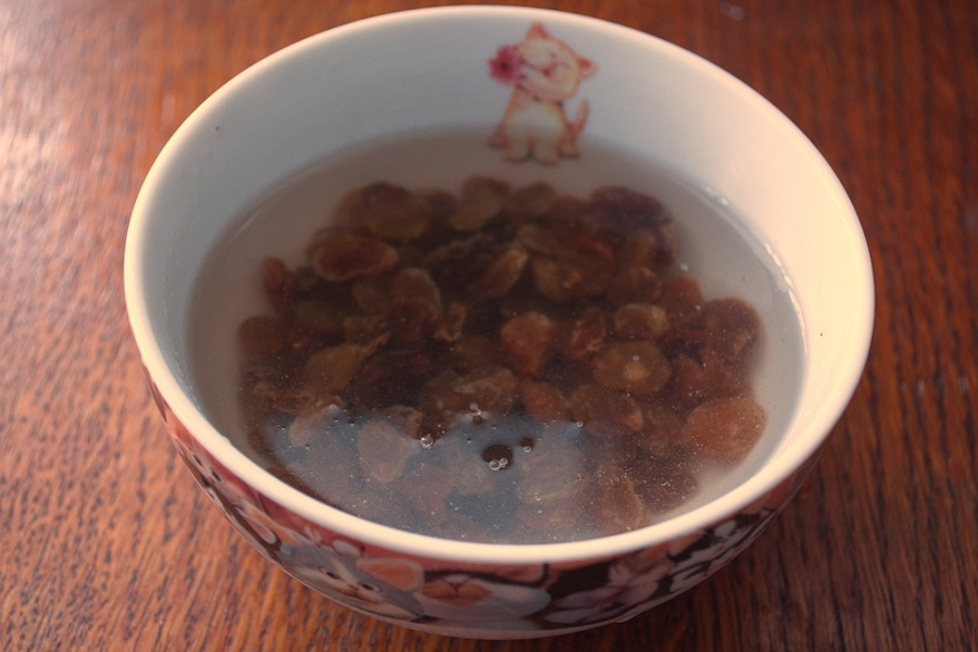 Яблочный пирог с изюмом - фото шаг 2