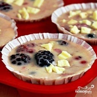Ягодные кексы с белым шоколадом - фото шаг 8