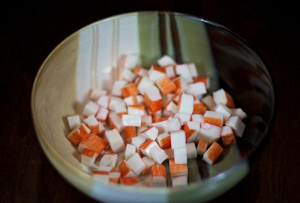 Рецепт Простой салат с маринованными грибами