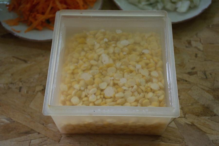 Гороховый суп с копченым салом - фото шаг 3