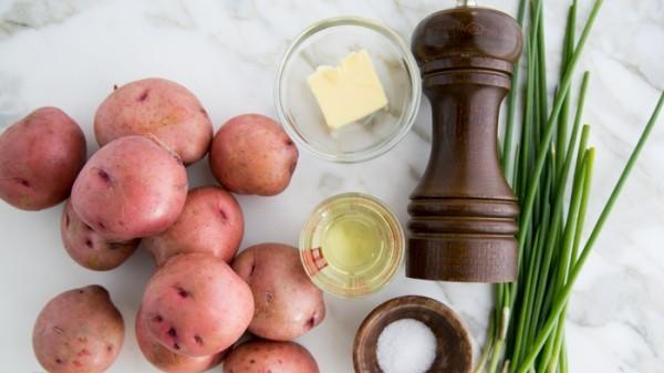 Молодой картофель обжаренный - фото шаг 1