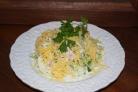 Салат из копченой курицы с сыром