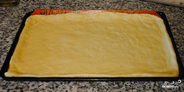 Дрожжевой пирог с яблоками и брусникой - фото шаг 2