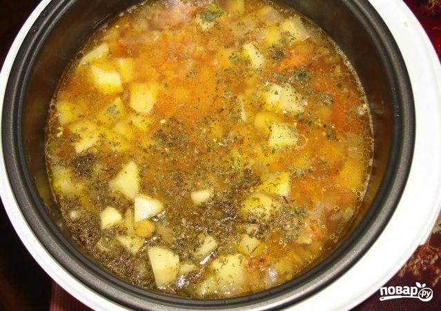 Суп со свининой в мультиварке Поларис - фото шаг 3