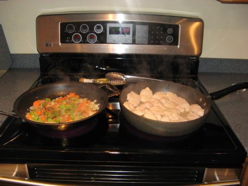 Куриные грудки с томатным соусом - фото шаг 4