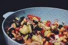 Салат с оливками и фасолью