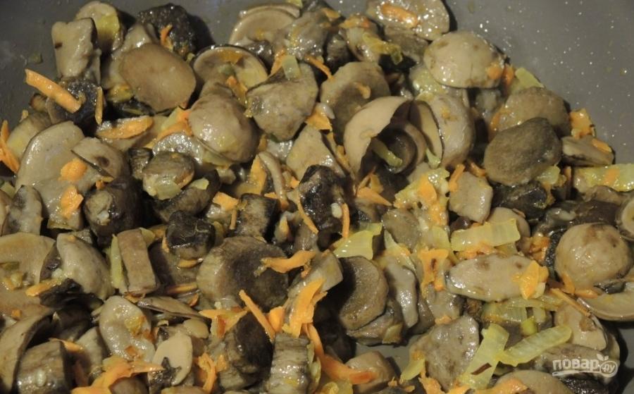Фасоль с грибами в томатном соусе - фото шаг 6