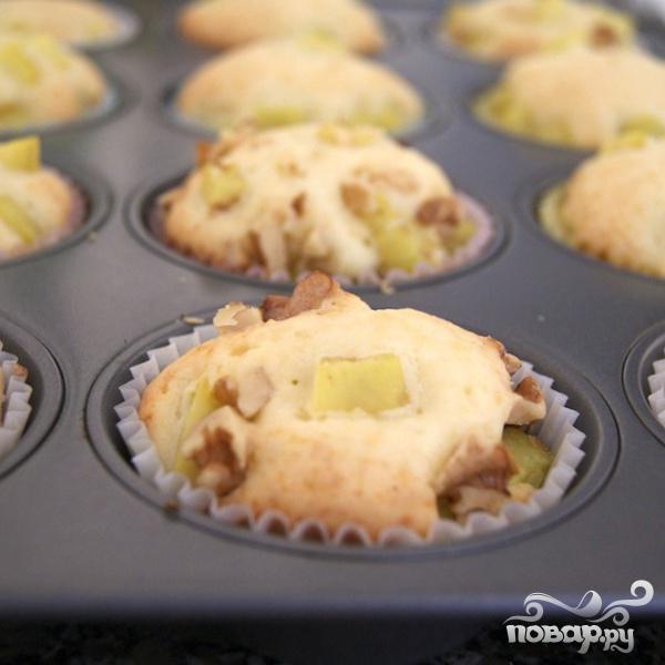 Кексы с картофелем и орехами - фото шаг 7