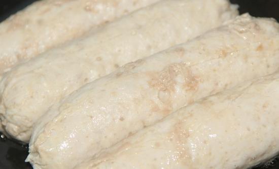 Домашние сосиски в пищевой пленке - фото шаг 4