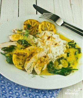 Рецепт Куриная грудка в лимонно-шпинатном соусе
