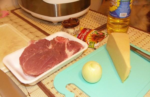 Рецепт Свинина по-французски с сыром в мультиварке