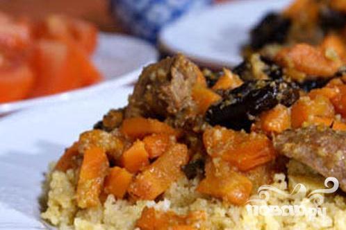Говядина с морковью и черносливом