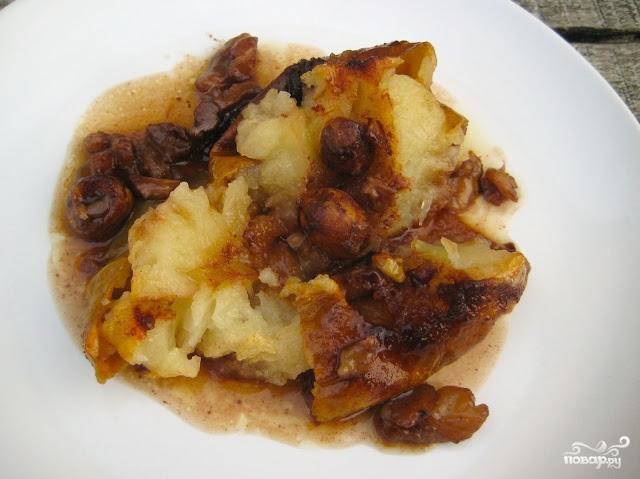 Запеченные яблоки с орехами - фото шаг 5