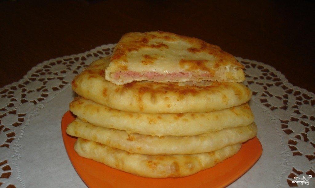 Лепешки с сыром и колбасой