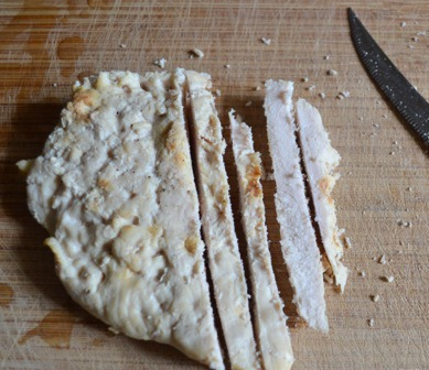 Рецепт Салат с сыром и горошком
