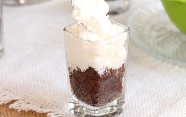 Десерт слоями в стакане - фото шаг 3
