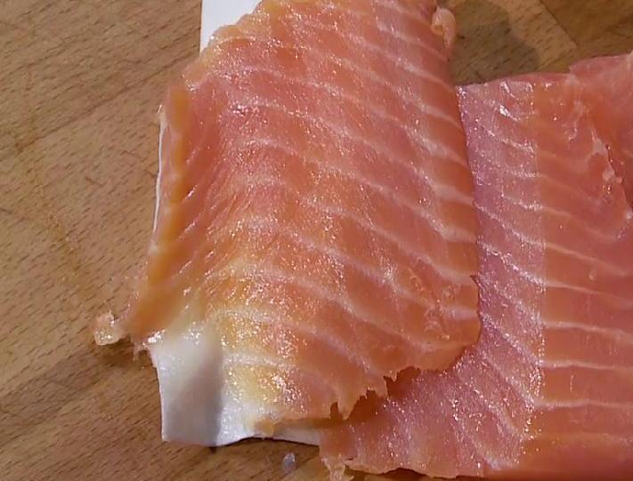 Блинчики с рыбой и сыром - фото шаг 4