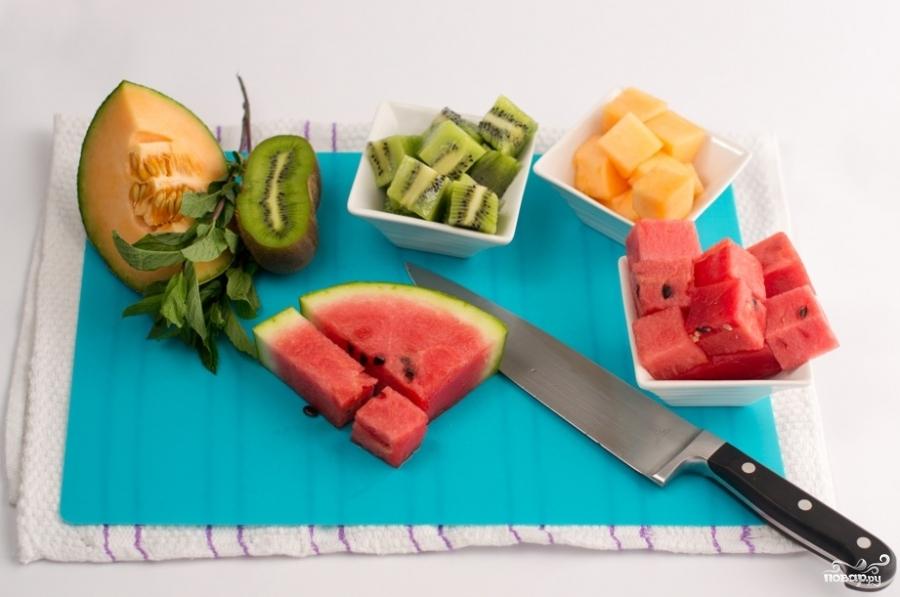 Фруктовый салат кубиками - фото шаг 2