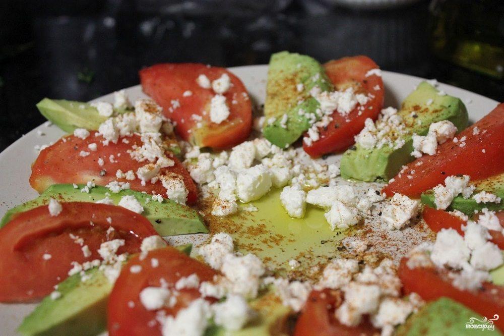 помидорами и с салат фото сайрой