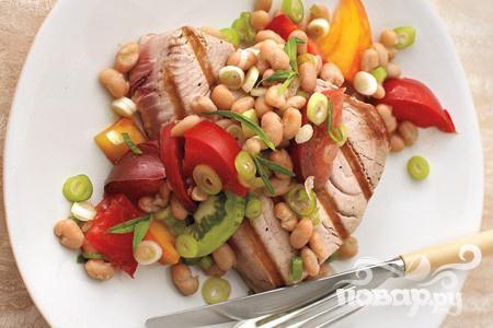 Рецепт Тунец с помидорами и фасолью