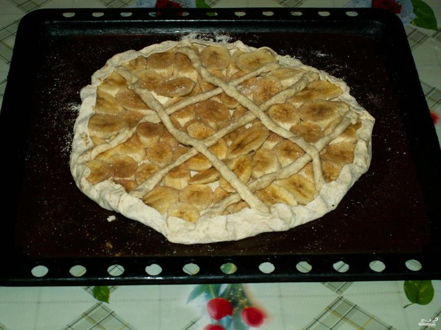 Банановый пирог из слоеного теста - пошаговый рецепт с фото на