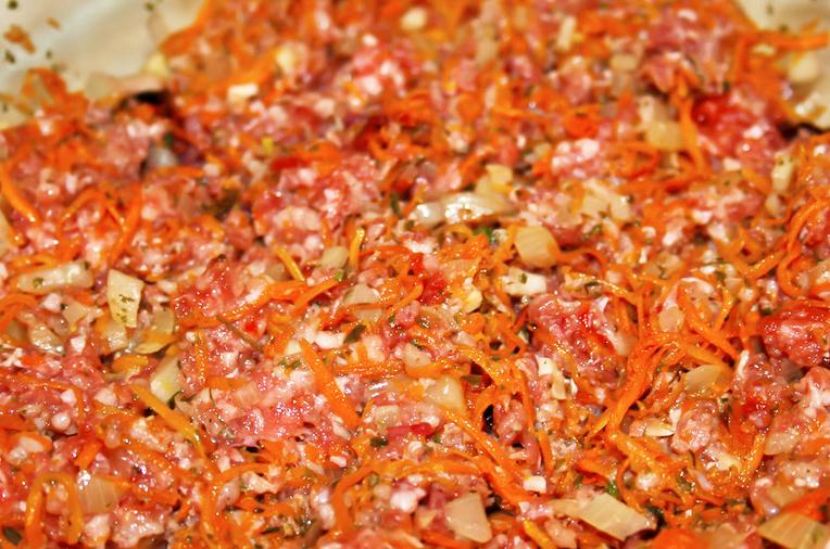 Спагетти под соусом болоньезе - фото шаг 3