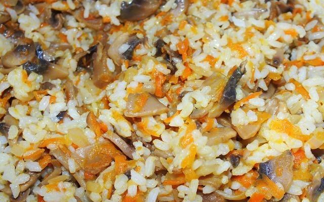 Кабачки, фаршированные грибами и рисом - фото шаг 3