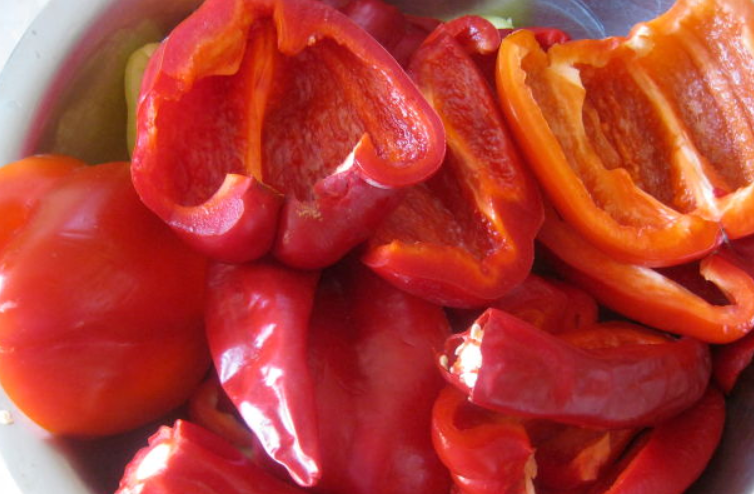 Рецепт Аджика из перца и чеснока на зиму