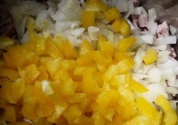 Салат с отварной свининой - фото шаг 4