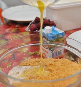 Ягодный чизкейк без выпечки  - фото шаг 2
