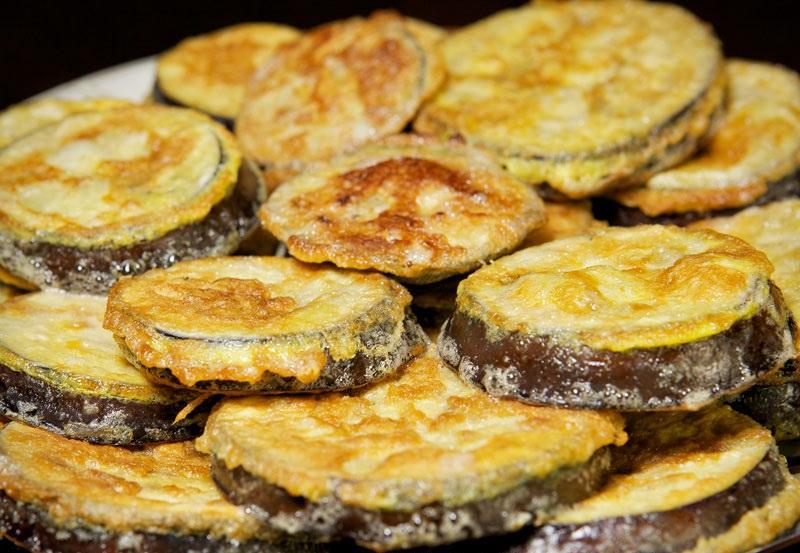 Жареные баклажаны с уксусом и чесноком - фото шаг 7